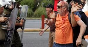 Grèce: Report du procès pour la violence policière